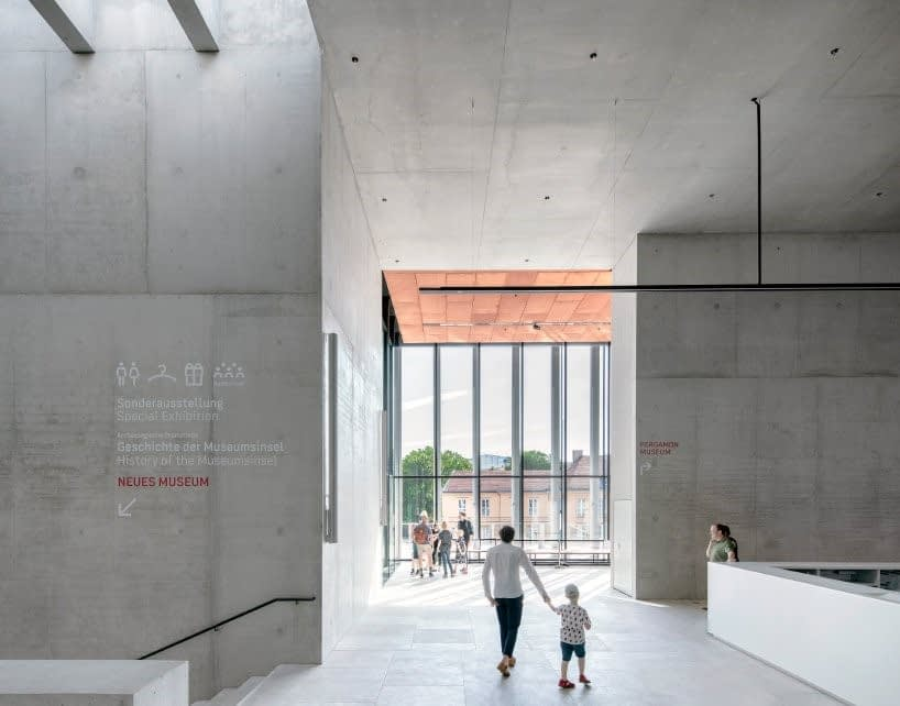 On the Museum Island in Berlin opened photo gallery 3